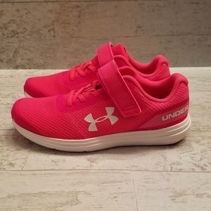 Under Armour Surge girls Hot Pink sneakers